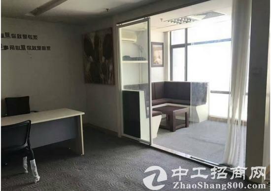 精装修第一国际90方带家具出租