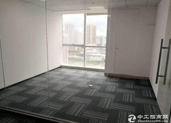 清华地铁口办公室,格局方正,精装68平,优质好选择