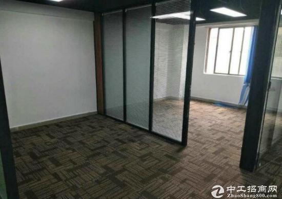 龙华民治地铁口物业、户型精装有隔间、适合中小企业办公