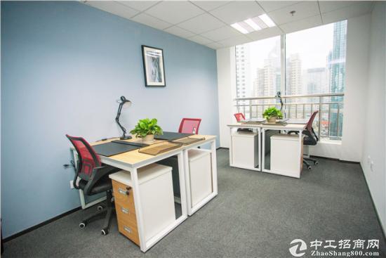 豪装商务办公室4人写字间(内设经理室)采光好