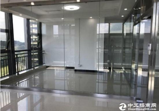 龙岗中心城南联地铁站出口,甲级写字楼出租,户型方正图片4