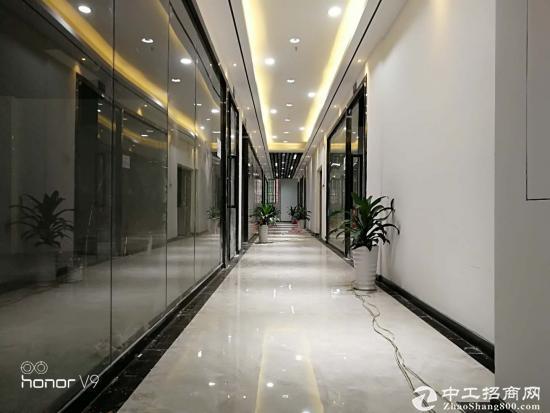 龙华新区自有物业办公室出租94平方图片2