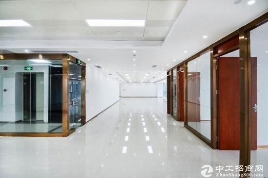 杨美~地铁口173平双面采光3+1 配置中央空调
