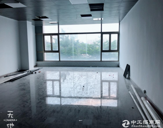 深圳宝安豪华精装修写字楼
