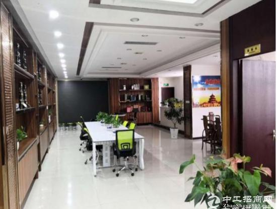 精装修办公厂房900平米龙岗中心城地铁口附近