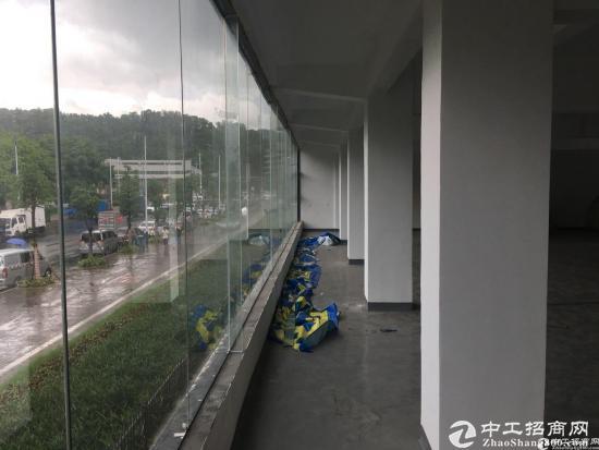 西丽双地铁口创意园型精装800平米大小可分租