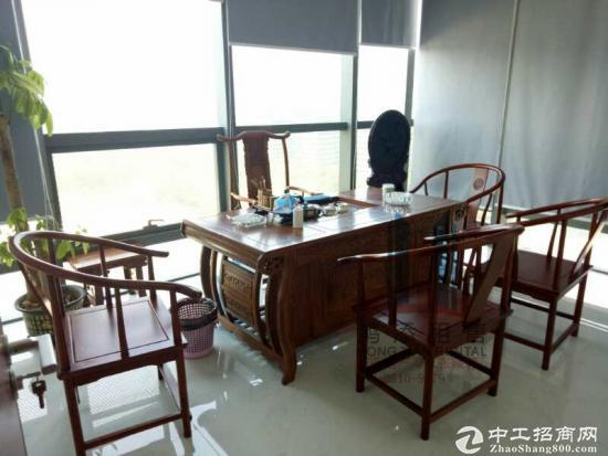 独'家盘绿地中央广场271方写字楼精装修含家具