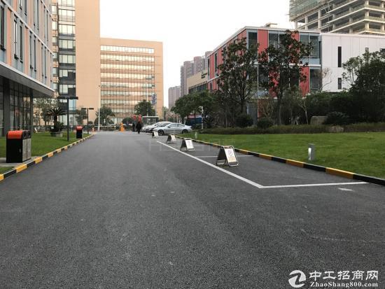 张江中区,科海大楼143平精装修带家具,房型正气