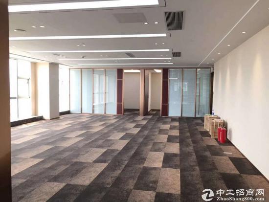 平湖华南城旁边豪华精装修写字楼12万出租大小可分割