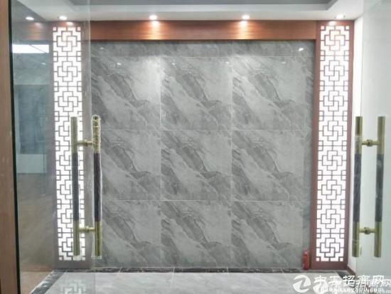 龙华青湖地铁口附近精装写字楼260平米