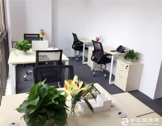 金丰城大夏6至8人间办公室,地铁口租金6180费用全包