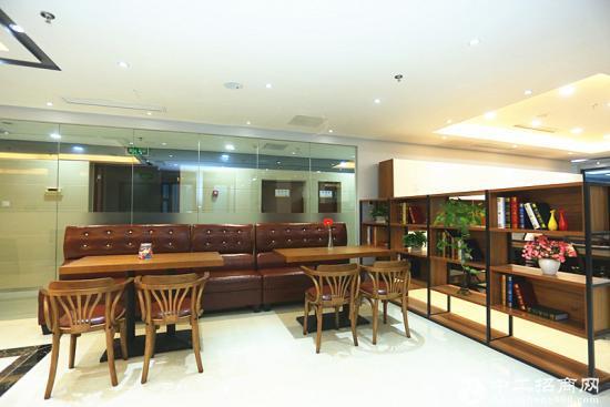 众创空间高品质办公室1~6人间精装带家具