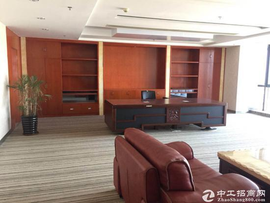深圳龙岗梅林关美丽的湖景办公室680平急租
