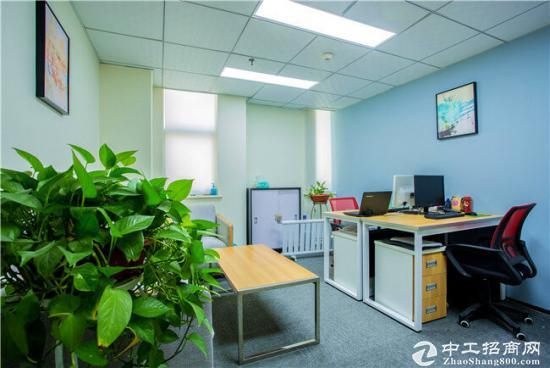 小型办公室:精装修、带窗3人间