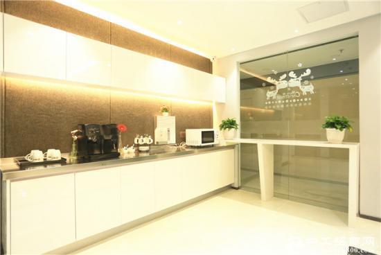 专注小型办公室:超低价 精装修 位置好10~100平