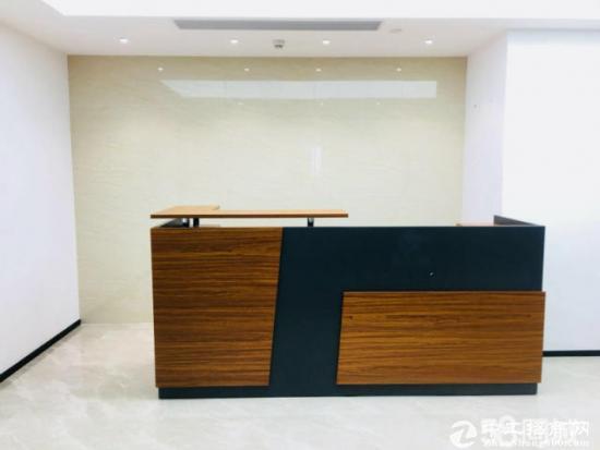 龙华地铁口 尚美中心187平 精装带家私 高层朝南
