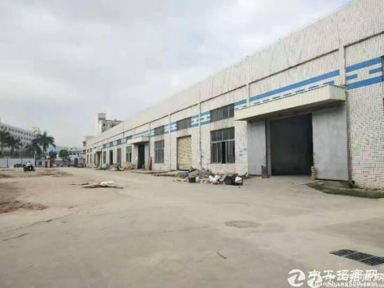 石岩南光高速口层高8米6000平钢构厂房出租