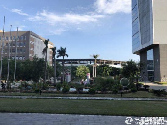 深圳南山西丽地铁口精装修带隔间98平写字楼出租
