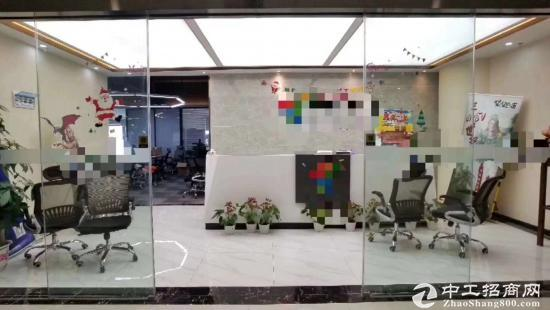 《山河企业大厦》300平精装带家具,拎包入住。商务环境优越