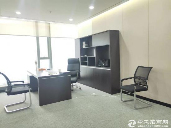 《山河企业大厦》210平精装带家具,拎包入住。商务环境优越