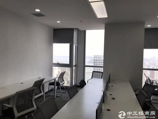 《汉街总部国际》199平精装带家具,高区办公视野开阔,拎包入住。图片9