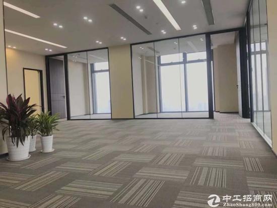 《汇通新长江》520平精装带家具,一线江景,拎包入住。图片3