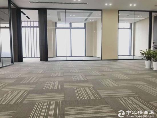 《汇通新长江》520平精装带家具,一线江景,拎包入住。图片4