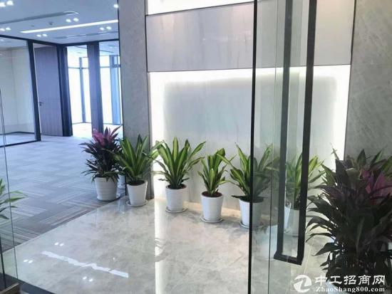 《汇通新长江》520平精装带家具,一线江景,拎包入住。图片5