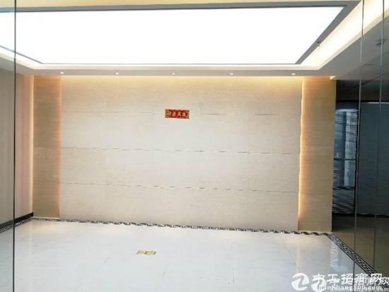 坪洲地铁口写字楼出租500平米全新精装修办公室