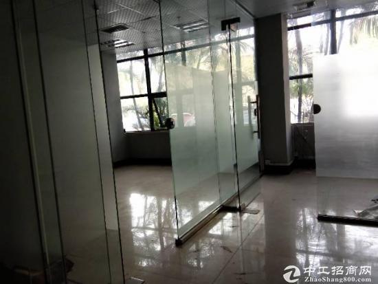横岗塘坑地铁站旁113平精装修带家私办公室出租