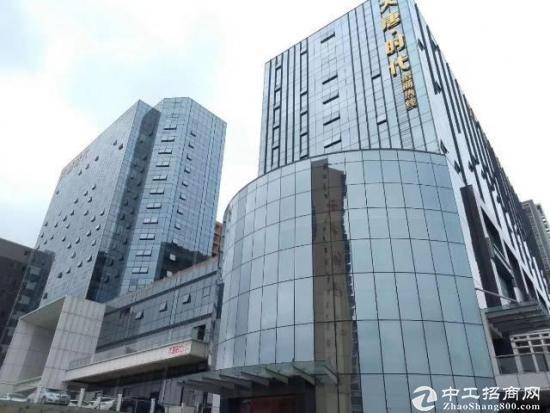 龙华清湖地铁口210平豪华写字楼出租