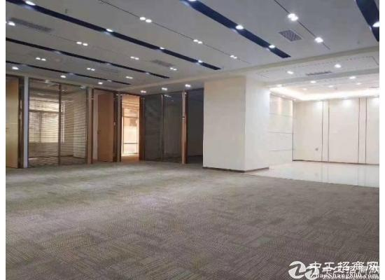 龙岗中心城地铁附近新出精装修写字楼398㎡出租