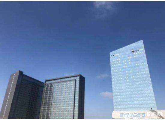 万科大厦精装210平带全套高档办公家私,双面采光,拎包进驻