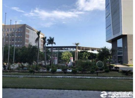 深圳南山西丽地铁口精装修 带隔间98平写字楼招租图片1