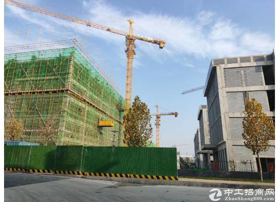 地处济南经济开发区核心地块双创大道沿线紧邻大学城,打造济南文创产业新高地 园区占