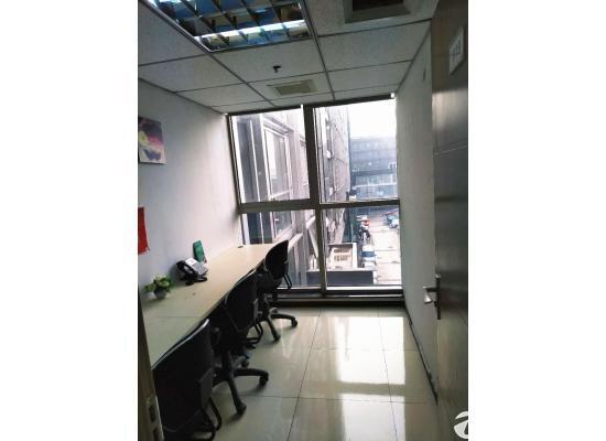 亚运村商圈交通便利办公首选可注册公司大小办公室工位出租